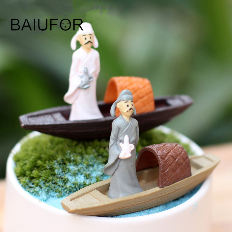BAIUFOR Miniature Terrarium People Mini Boat and People Fairy Garden Figurines Succulents Plants Decor Home Accessories Crafts