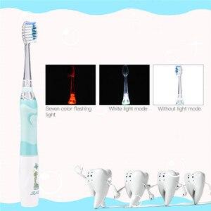 Image 3 - Seago çocuk karikatür elektrikli diş Ultra sonic Sonic diş fırçası LED ışık bebek diş fırçası su geçirmez diş fırçası pil
