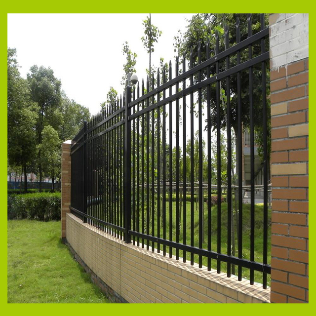 Garden Style Metal Fence Black Color And Three Horizontal Pipes For Strengthened