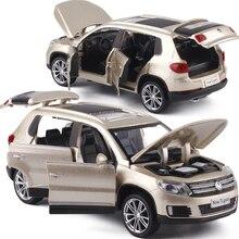 Высокая имитация 1:32 Tiguan SUV Сплав Вытяните назад игрушечный автомобиль модель музыкальный мигающий шесть открываются двери литой металл для детей игрушки