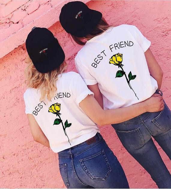 1 stks BESTE VRIEND Brief Print T-shirt Rose Grafische Tee 2018 Vrouwen Harajuku Witte Korte Mouw T-shirt Voor designer Zomer Top