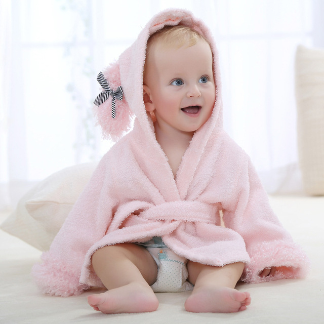 Nuevo diseño de la historieta del bebé carácter con capucha animal del bebé albornoz kids bath robe towel toallas de playa infantil bm0202