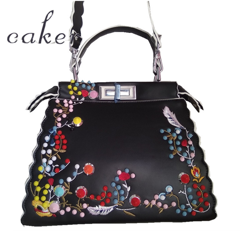 Caker 2017 Women Casual Totes Bags Beading Appliques Print Flower Handbags Lady White Black Leather Shoulder Bags Messenger Bags caker brand women large pu casual totes lady patchwork handbags vintage shoulder bags female panelled jumbo messenger bags