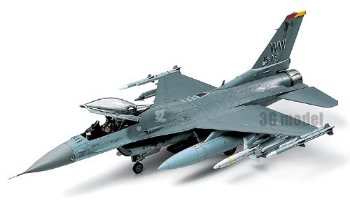 1/48 Us F-16CJ Fighter Model Assembled Aircraft Model 610981/48 Us F-16CJ Fighter Model Assembled Aircraft Model 61098