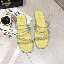 купить Women Sandals Flat Rhinestone Beach Fashion Slippers Female Breathable 2019 New Ladies Summer Shoes Open Toe Slides Female по цене 720.84 рублей
