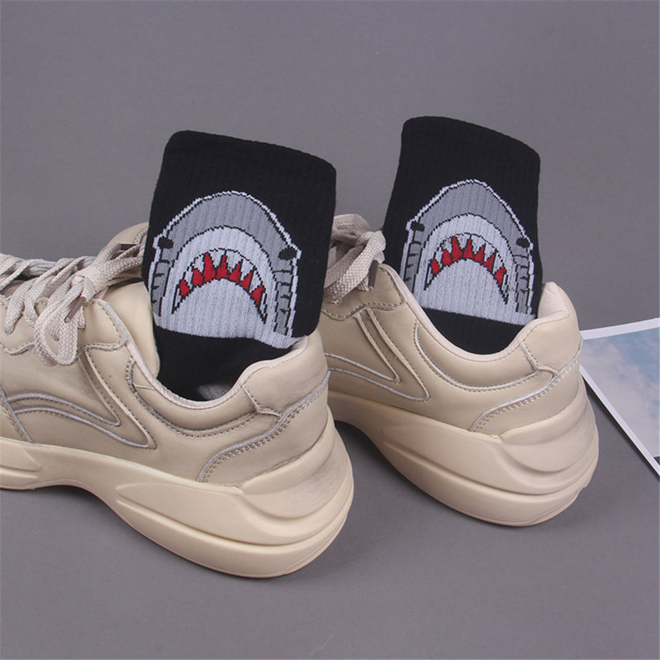 Men-casual-cotton-socks-cartoon-shark-fashion-hiphop-style-New-Women-socks-skateboard-sporty-korea-Animal (2)