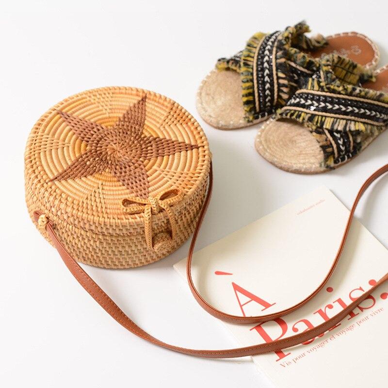 Summer Flower Circle Rattan Straw Bag Bohemian Summer Beach Bag Women Small Handbag 2018 Handmade Crossbody Leather shoulder Ba