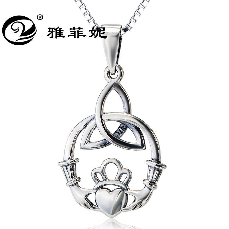 jewelry cross-border clavicle necklace Celtic knot both hands heart pendant wholesale