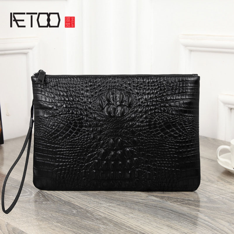 AETOO Crocodile pattern leather men handbag business head layer of leather day clutches mens small messenger bag