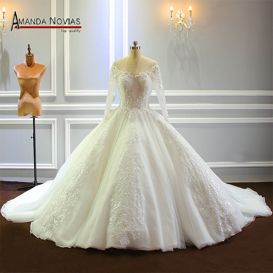Long Dresses For Weddings: Luxury Dubai Wedding Dress Long Train With Long Sleeves