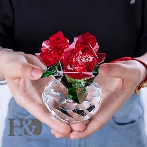Image 3 - H & D คริสตัลสีแดง Rose Bouquet ดอกไม้ Figurines เครื่องประดับของขวัญกล่องตกแต่ง Paperweight วันวาเลนไทน์