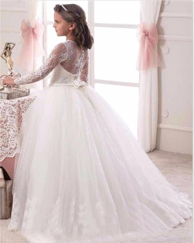 2017 Cap Sleeve White Lace Holy Communion Dresses Pageant Ball Gowns For Girls  vestidos de primera comunion Flower Girl DressesUSD 139.00 piece f54b9d48c289