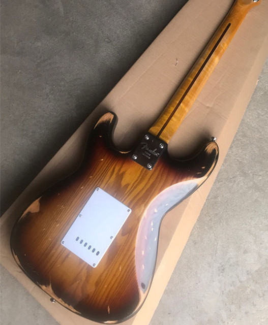 2019 New Arrival Factory Firehawk Relic Brown Custom Shop Vintage Maple Fingerboard Basswood Body Electric Guitar SSS Pickups 2