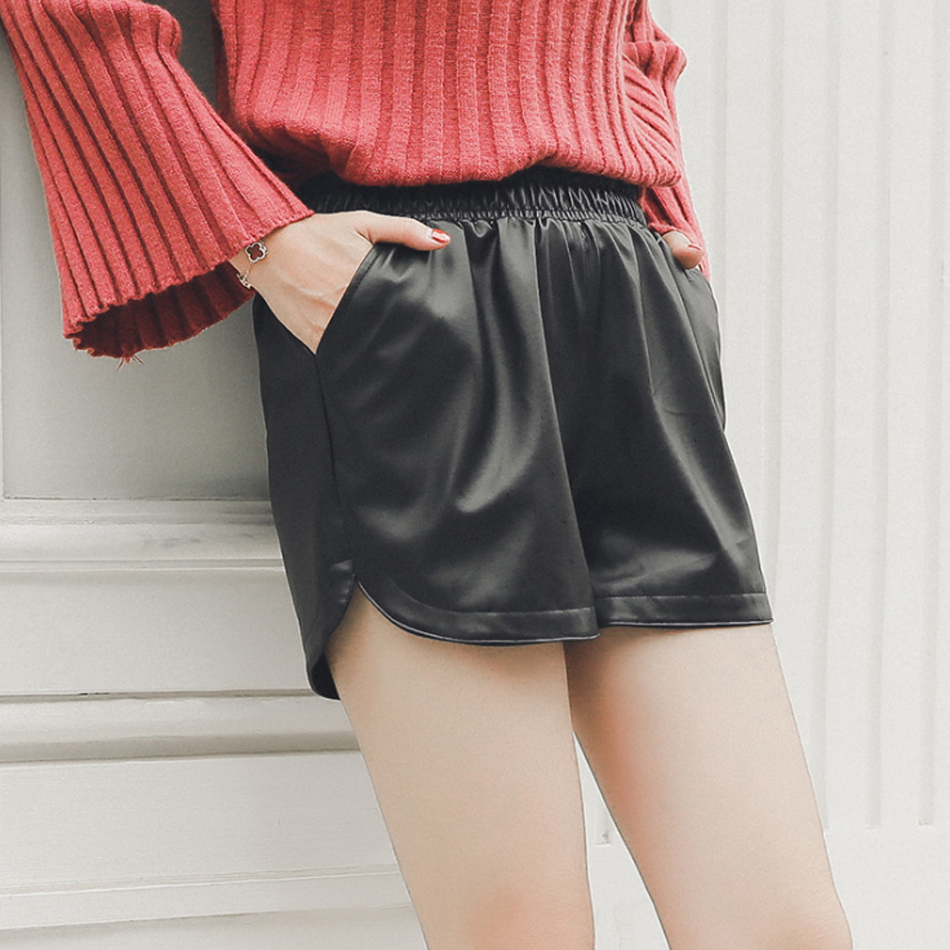 100% QualitäT Hohe Qualität Pu Leder Shorts Frauen Schwarze Kurze Hosen Mit Tasche Lose Beiläufige Elastische Taille Shorts Plus Größe