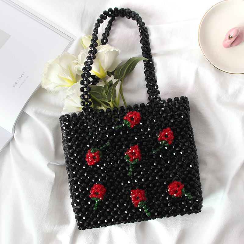 все цены на Handmade Beaded Bag Female Bag 2018 New Vintage Pearl Small Square Bags Strawberry Black Lovely Handbag White Cherry Party Tote