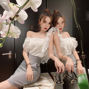 Image 4 - Tops ahuecados para mujer, blusas sexys blancas sin mangas con volantes, camisa de encaje 2020