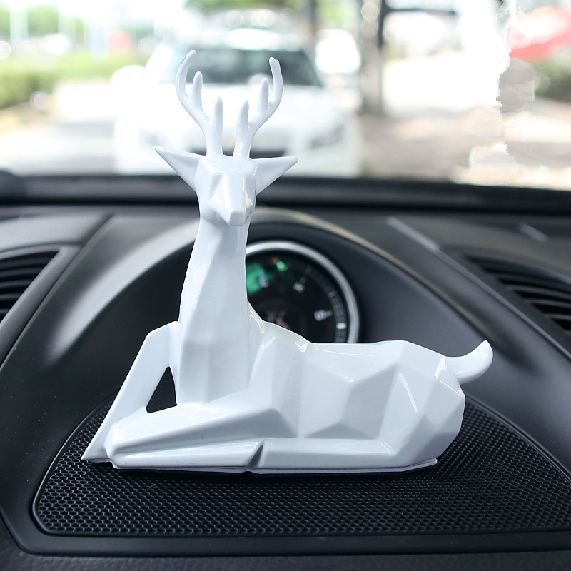 1 Piece Personality Creativity Car Deer Ornaments Decoration Gift For Birthday Christmas Commemoration Day Ornaments     - title=