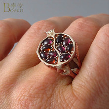 Vintage Red Garnet Ring Fruit Pomegranate Red Zircon Stone Rings for Women Rose Gold Color Wedding Band Kids Ring Jewelry Bague