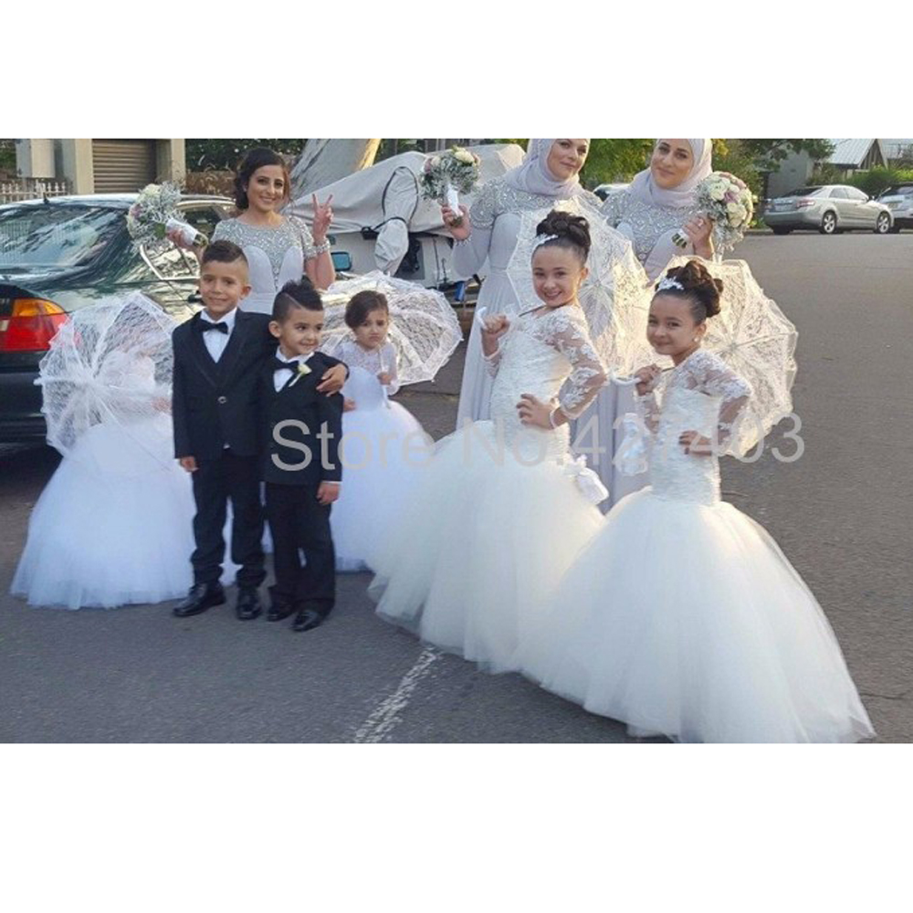 New cute mermaid lace appliques floor length first for Cute dresses to wear to a wedding in the winter