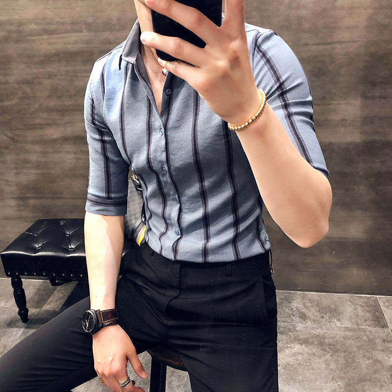 2018 spring new shirt five-point sleeve Korean hit color stripes hit color young mens shirt handsome simple wild sleeve shirt