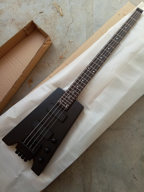 F-1058 - 4 string headless bass guitar - basswood body