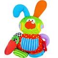 Детские руки захватывают игрушки послушным кролик успокоить кукла колокольный звон бумаги безопасности зеркало Зеркало Игрушка