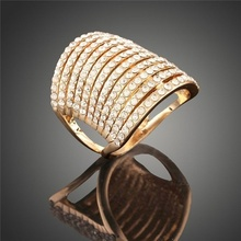 Exaggeration Atmospheric Hollow Out Inlaid crystal Ring Women High End Rings Finger Jewelry