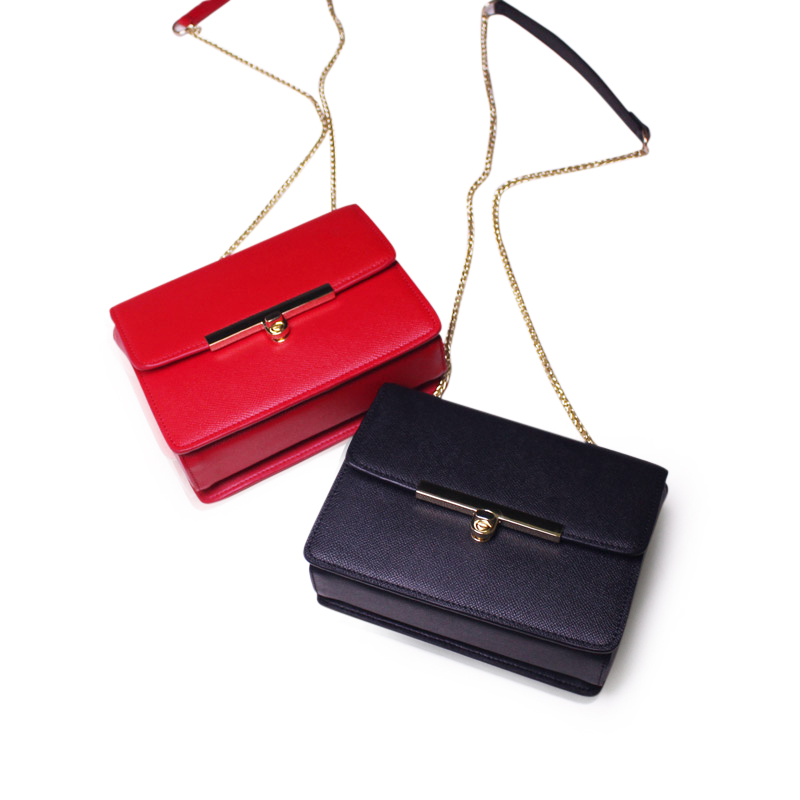 Original Special Offer Flap Genuine Leather Female Package Simple Leather Ladies Shoulder Messenger Bag 2017 New Small Square every new small package special offer hit color box package fashion lock small bag shoulder bag in early autumn