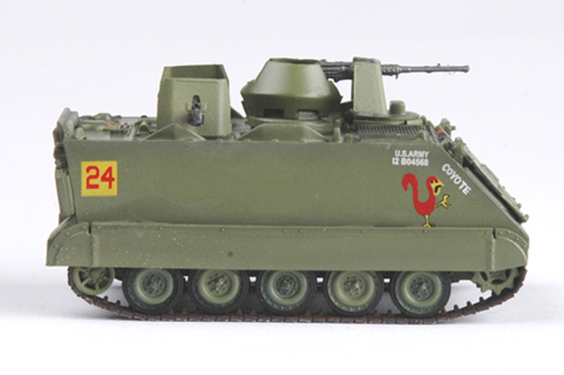 <font><b>Trumpet</b></font> <font><b>1</b></font><font><b>:</b></font><font><b>72</b></font> Vietnam War M113 Armored Cavalry attack vehicle 35002 finished product model image