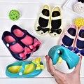MINIKHOO 2017 Nuevo Mini Pequeña Mariposa Jalea Zapatos Nudo de La Mariposa Cabeza de Pescado Sandalias de Las Muchachas Zapatos de Bebé Inferiores suaves 4 Colores Mini