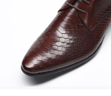 Fashion Genuine Leather Men Dress Shoes Snake Pattern Business Men Shoes Designer Office Lace Up Pointy Toe Shoes