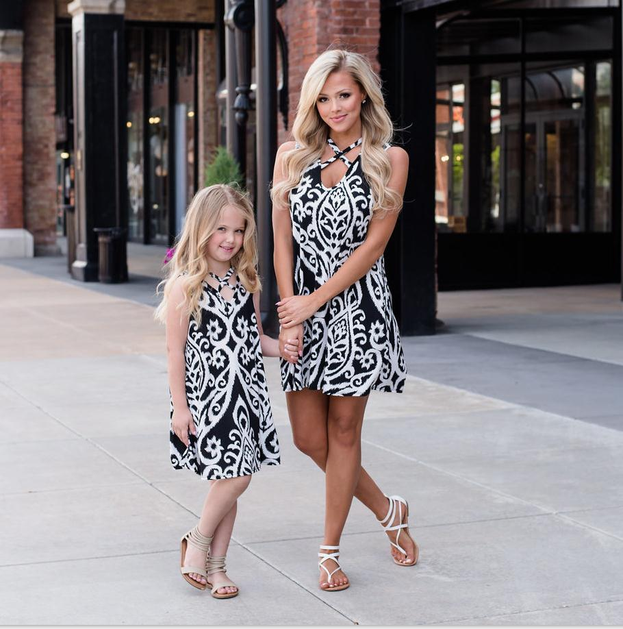Mother daughter dresses family look black white floral print sleeveless mommy and me baby girl mini dress matching outfits ...