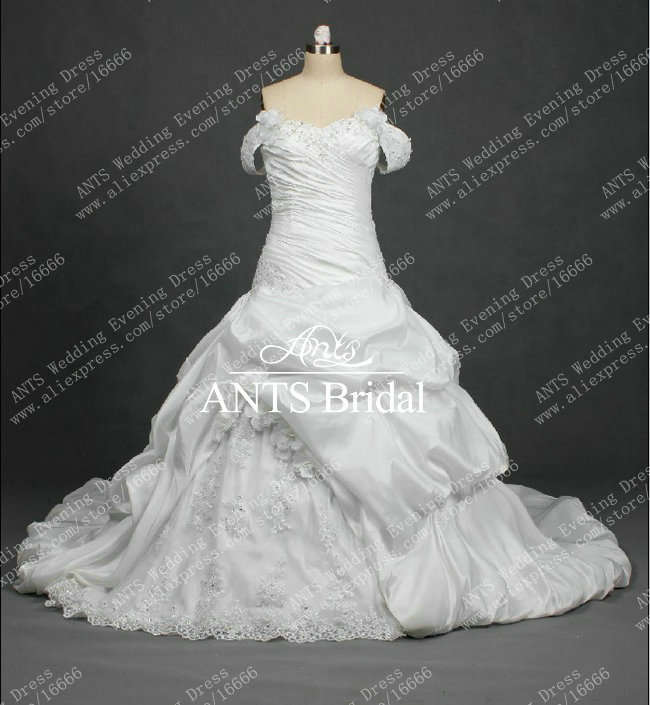 designer real picture affordable ball gown wedding dress with removeable sleeve chapel train mg693