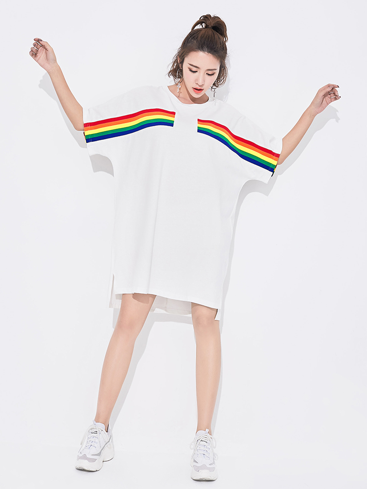 VGH Rainbow Stripe T Shirt Woman 2018 Wear New Round Neck Batwing Sleeve Loose Oversize Asymmetry Woment T Shirt Summer New
