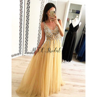 Gorgeous Gold Tulle Long Evening Dresses Exquisite Sliver Beads Crystals V Neck A Line Arabic Prom Gowns 2019 Custom Made Dress