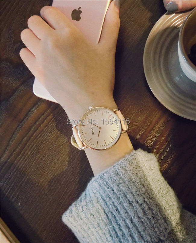 100pcs/lot New Arrival Fashion Womens Watch Ultra Thin Leather Band Watches Hot Sale Students Watches Wholesale