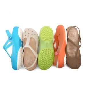 Image 5 - 夏の女性のミュール下駄ビーチ通気性メアリージェーンズ甘いスリッパ女性のサンダルゼリーの靴かわいい庭の靴のための女性