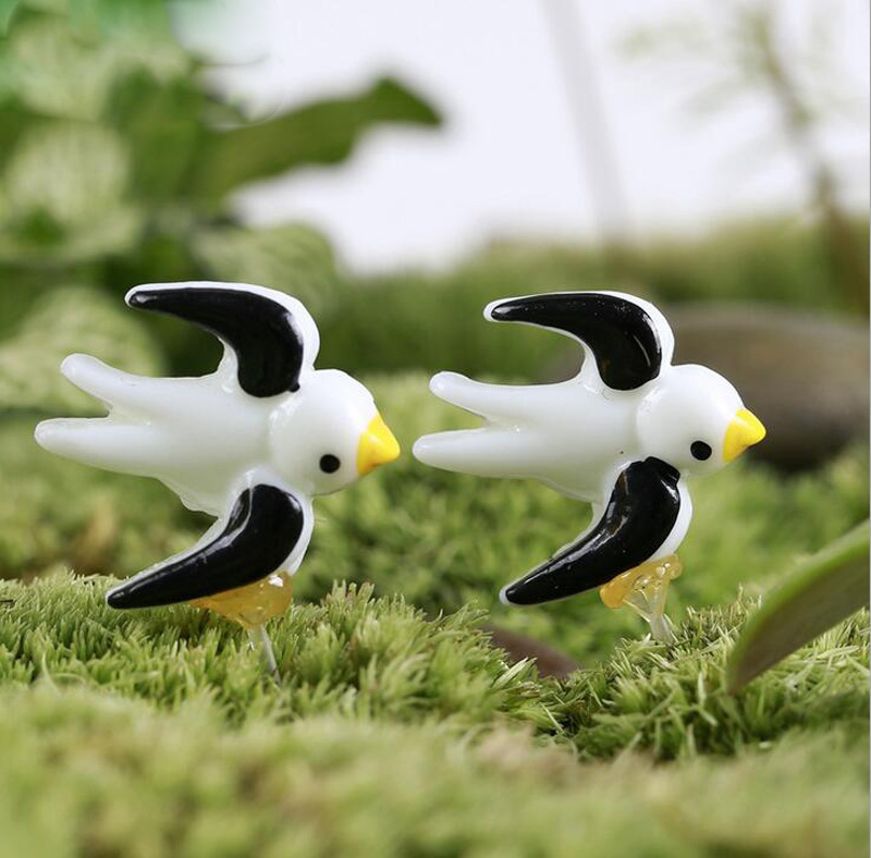 5pcs Swallow Figurine Miniature Figures Character Birthday cake decoration Home Car animal statue resin craft Toy Gift TNA147