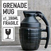 1 Stück Freies Verschiffen Weiß und Schwarz mit Deckel Handgriff Handgranate/Design Keramikbecher Tasse Neuheit Granate tee Tasse