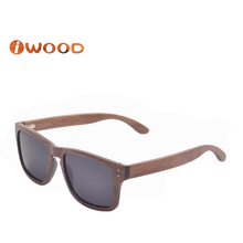 WL107 2016 women New trends polarized lens fashion cool Laminated wood Sunglasses Beach with cut frame sunglasses