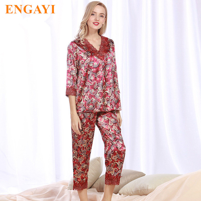 2017 New Women Silk Satin Pajamas Pyjama Sets Pijamas Sexy Robes Bathrobe  Nightgown Sleepwear Longue Femme Night Gown TZ339 c8702d7e2