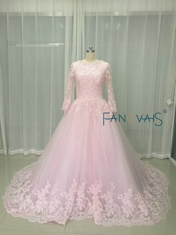 2f8b4aa019fb0 Light Pink Lace Wedding Dress With Long Sleeves Ball Gown Beads Vintage  Muslim Bridal Gowns Vestido de Novia Luxury wedding gown-in Wedding Dresses  from ...