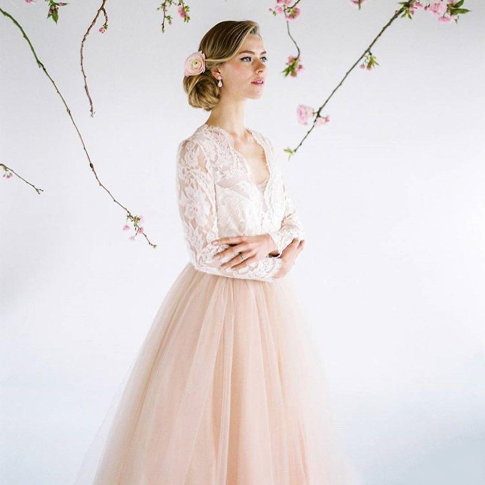 Lace Top Bride Dress Long Sleeves Pink Modest Wedding Dress 2018 Custom  made Contrast color Vestidos de fiesta-in Wedding Dresses from Weddings    Events on ... 1c9602e5ceb8