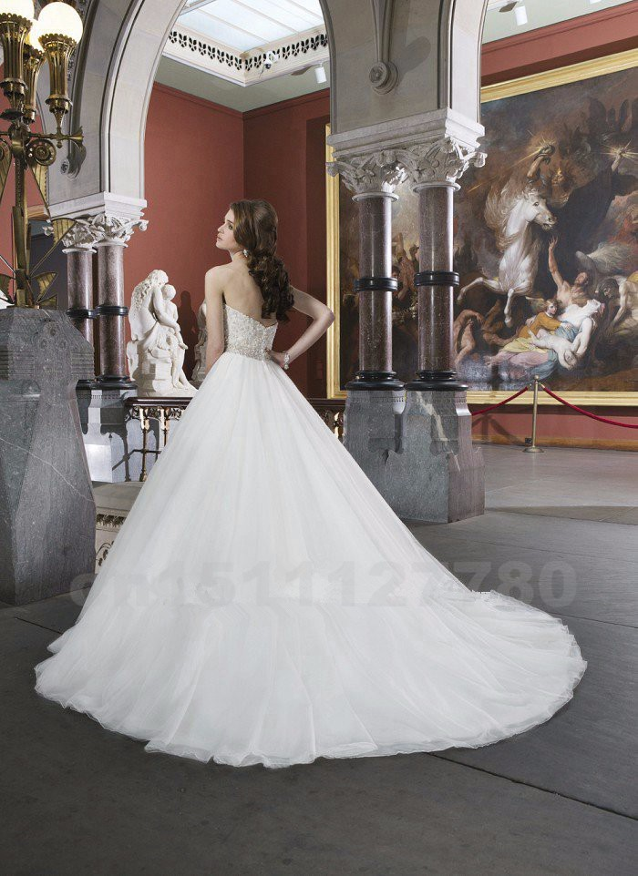 Vintage-Wedding-Dress-2015-Pearls-A-Line-Bridal-Dress-Romantic-Sweetheart-White-Long-Plus-Size-Wedding (2)