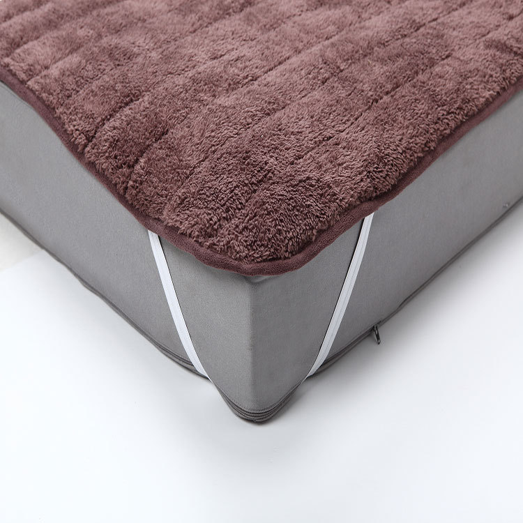 Free Shipping Plush Mattress Cover Foldable Very Soft And Warm Bed Bedding Sheet With Feet Care Pad Anese In Covers Grippers From