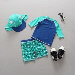 Image 2 - תינוק בגדי ים UV מוגן ארוך שרוול בגד ים יפה צפרדע הדפסת שתי חתיכות + כובע בני בגד ים ילדים שחייה בריכה בגדים