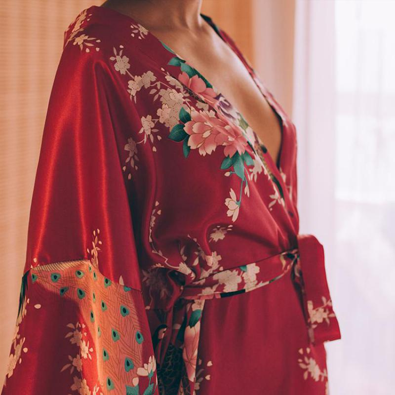 Rayonne Robes femmes vêtements de nuit fleur maison vêtements Lingerie intime décontracté Kimono robe de bain dame Sexy robe de nuit surdimensionné 3XL