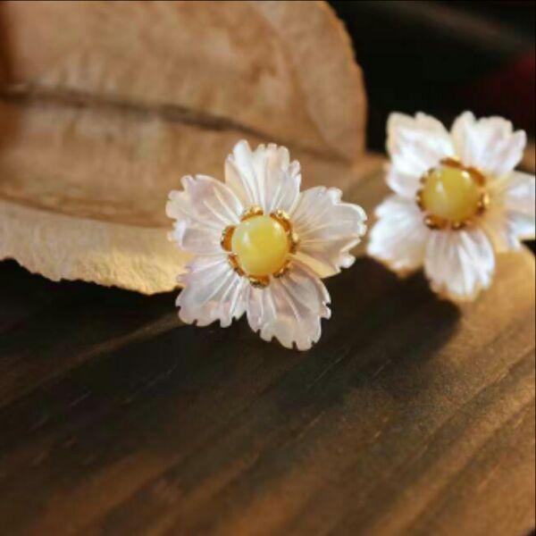 Livraison gratuite classique classique coquille fleur cire d'abeille fleur stud boucle d'oreille 925 aiguilles en argent