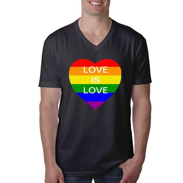 2ab98d11045 US $19.6 |Regenboog Hart Liefde is Liefde Heren V hals Print T shirts Korte  Mouw Vintage T shirt Zwart 100% Katoen in Regenboog Hart Liefde is Liefde  ...