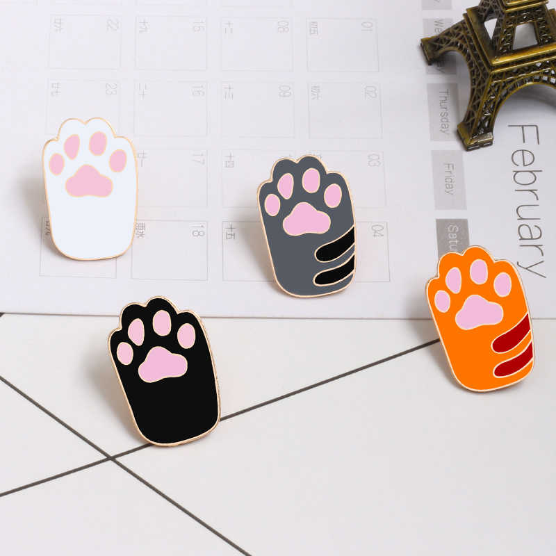 1Pcs Lucu Kartun Kucing Berwarna-warni Kaki Pin Akrilik Lencana Bros Kerah Pin untuk Wanita Pakaian Di Ransel Aksesoris perhiasan